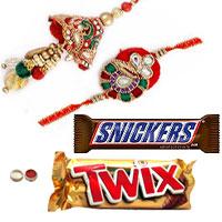 Alluring Combo of Bhaiya N Bhabhi Rakhi With Snickers N Twix