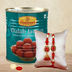 Popular Loomba Rakhi Set for Bhai-Bhabi with Gulabjamun