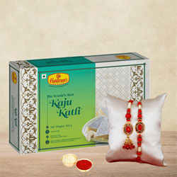 Pretty Lumba Rakhi for Bhai-Bhabhi N Kaju Katli Pack