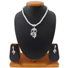 Eye-Catching Necklace Set Designed with White Pearls