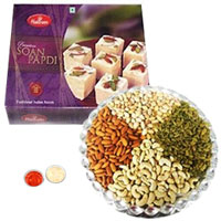 Soan Papri and Assorted Dry Fruits