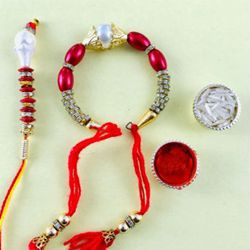Appealing Gift of Bhaiya Bhabhi Rakhi Set