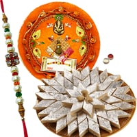 Dazzling Gift Set of Rakhi Thali and Kaju Katli along with Rakhi, Roli and Tikka for your Dear Brother on Rakhi<br><br>